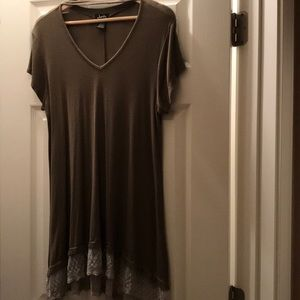 Olive green choker T-shirt with lace trim